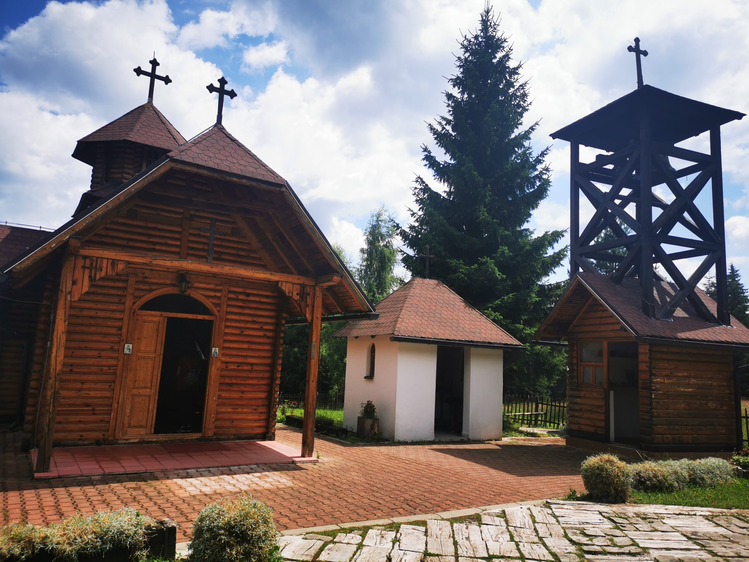 Crkva brvnara Svetog Kozme i Damjana